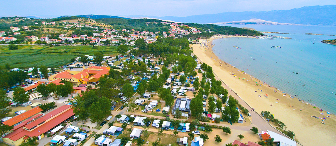 camping-san-marino-residence-pitches-beach-nearby-light